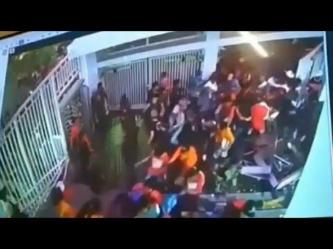Detik-detik Suporter Persija & Bali United Memaksa Masuk GBK