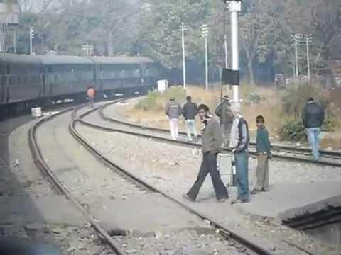 13019/Bagh Express Kolkata Howrah Junction To Kathgodam