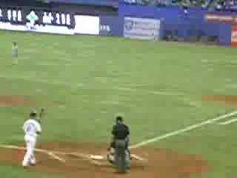 Aaron Hill stole home Video