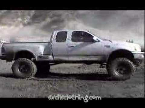 trucks in the mud at azusa canyon Video