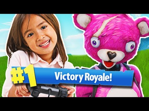 4 YEAR OLD GIRL WINS A FORTNITE GAME!!   Fortnite Daily Funny and WTF Moments Ep. 118