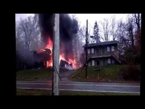 Video of plane crash in Akron, Ohio
