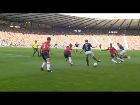 Iwelumo's terrible miss plus some really funny Scottish Commentary.