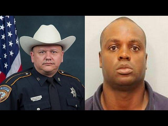 مردم در تگزاس به پلیس کشته شده ادای احترام کردند