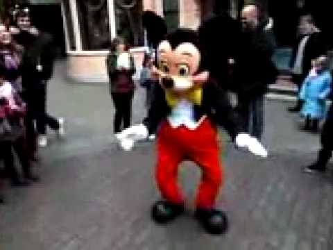 Mickey Dance - Mickey Gets Fresh (Dance Battle)