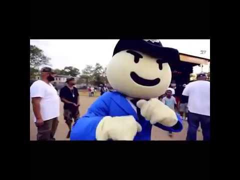 V Don Making the Beat (Bodega Bamz