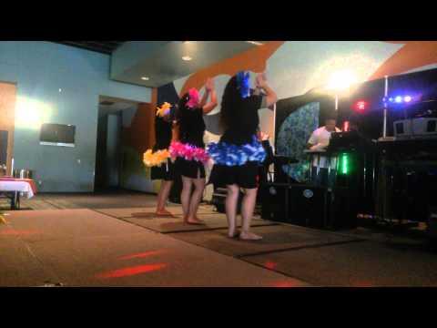 Tofa Mamao Girls doing E Piko