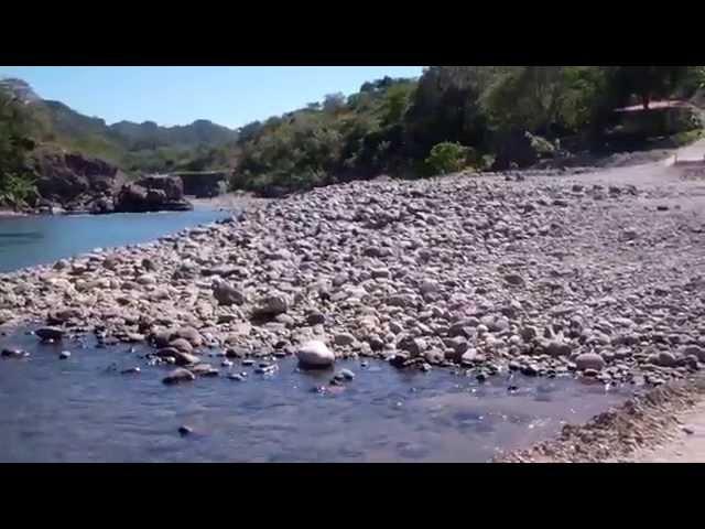 El Salvador: Arcatao ( Chalatenango) y el Rio Sumpul cerca de San Jose las FLores. DIC2011 (2).mp4