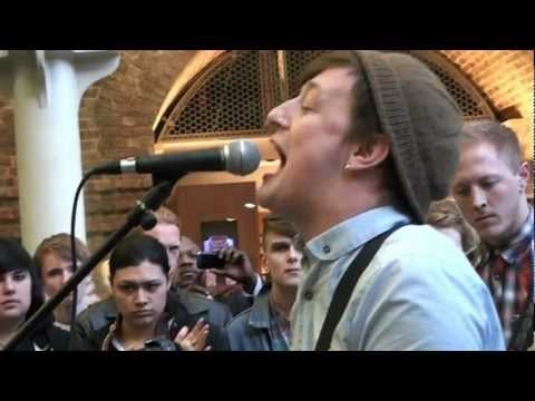 Deaf Havana - Little White Lies (Acoustic) at St. Pancras Station