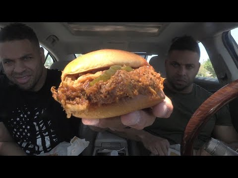 Eating Burger King's New Pulled Pork Sandwich!