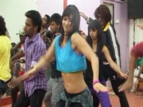 Remo DSouza dance rehearsal for ABCD (Anybody Can Dance)