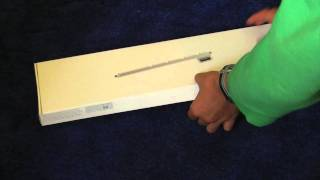 Unboxing of Apple Numeric Keyboard (Wired)
