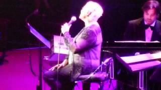 Dionne Warwick - I Know I'll Never Love This Way Again @ Royal Albert Hall, London - 28th May 2012