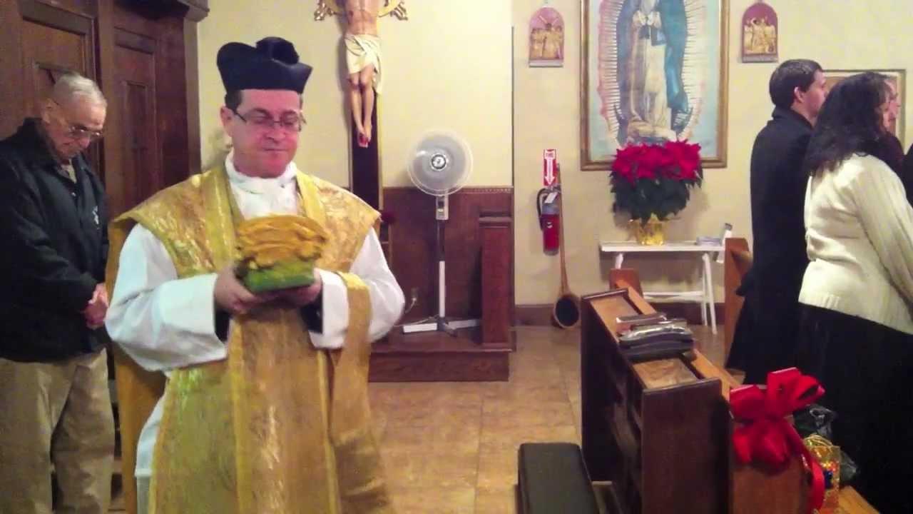 Christmas Mass at St. Michael's Chapel (Traditional Roman Catholic - SSPX) - 11 - YouTube