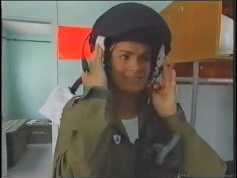 Katy and the helmet 5 3