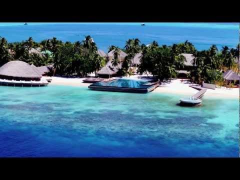 Huvafen Fushi luxury hotel Maldives with underwater spa