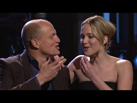 Jennifer Lawrence & Woody Harrelson Sing 'Blank Space' on SNL