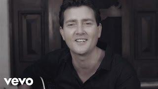 Adam Harvey - She Don't Know She's Beautiful