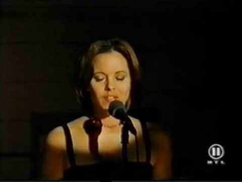 Maria Bello - I Can't Make You Love Me