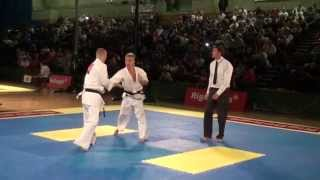 Spencer Bennett 100 (BKK Samuari) v Remco Koolhaas 84 (IFK Holland) Kyokushin Knockdown Karate