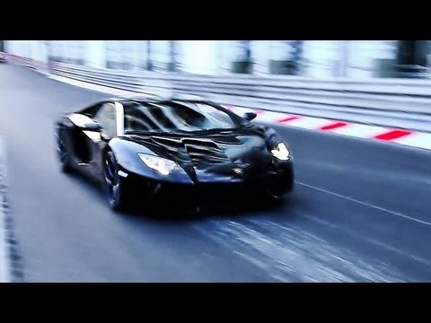 Lamborghini Aventador : INSANE Accelerations and Sounds !!