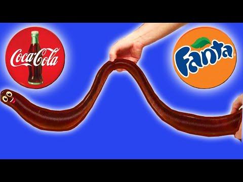 Как сделать Огромного Мармеладного Червяка из Coca-Cola и Fanta
