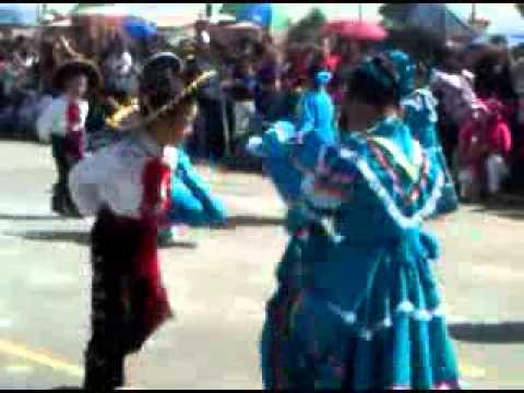 Festival 3 Gemelos de charros bailando el son de la negra