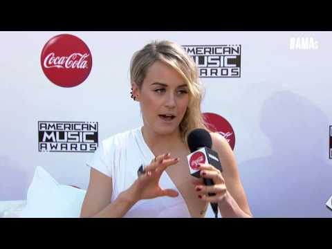 Taylor Schilling Red Carpet Interview - AMAs 2014