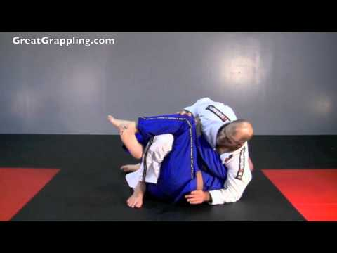 Half Guard Pass Reverse Sit Image 1