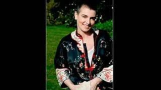 Watch Sinead OConnor I Guess The Lord Must Be In New York City video