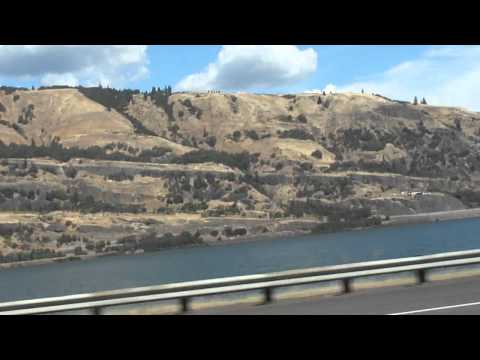 Greyhound bus trip through northern U.S.: (2) Hood River to The Dalles, Oregon 2010-08-28