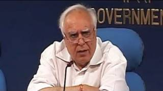 How can Anna call us cheats, asks Kapil Sibal