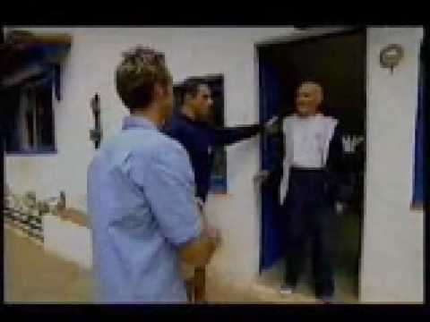 BRAZILLIAN (GRACIE) JIU-JITSU DOCUMENTARY. ENDS WITH HELIO GRACIE TRAINING Image 1