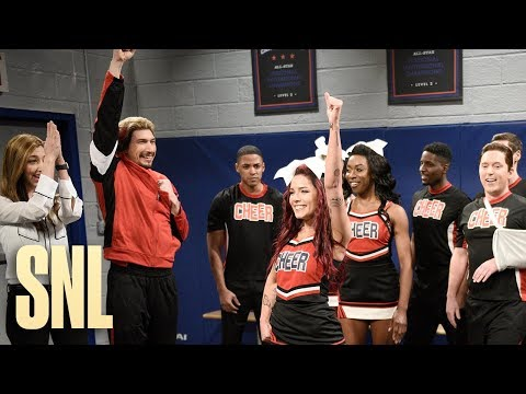 Cheerleading Show - SNL