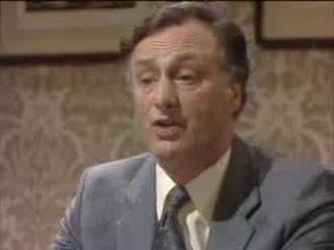 A public inquiry - Yes Minister - BBC comedy