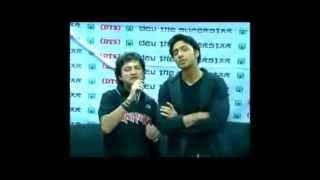 Khokababu - Dev singing with Dev The Superstar Official Club Members @ DTS KHOKABABU Trip