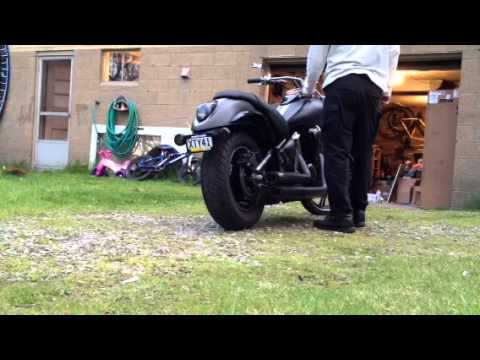 Kawasaki Vulcan 900 w/ Vance & Hines Exhaust