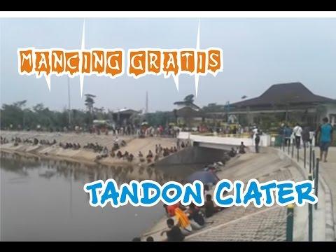 Wow..Ratusan orang serbu Tandon Ciater mancing gratis