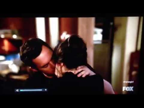 New Girl- Jess kisses Nick- 2x19