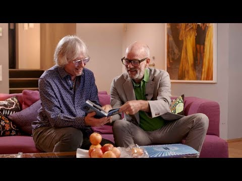 Download R.E.M. - Monster 25 Unboxing with Michael Stipe and Mike Mills Mp4 baru