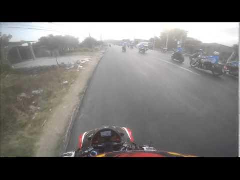 Camera ghi lại tai nạn khủng khiếp của đoàn mô tô dẫn đoàn đua xe đạp