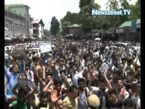 Kashmir students out against Israeli terror
