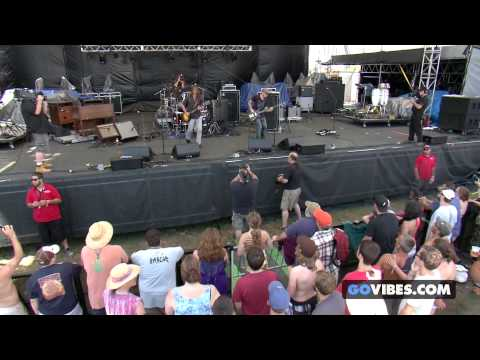 "Lukas Nelson & P.O.T.R. performs ""Start To Go"" at Gathering of the Vibes Music Festival"