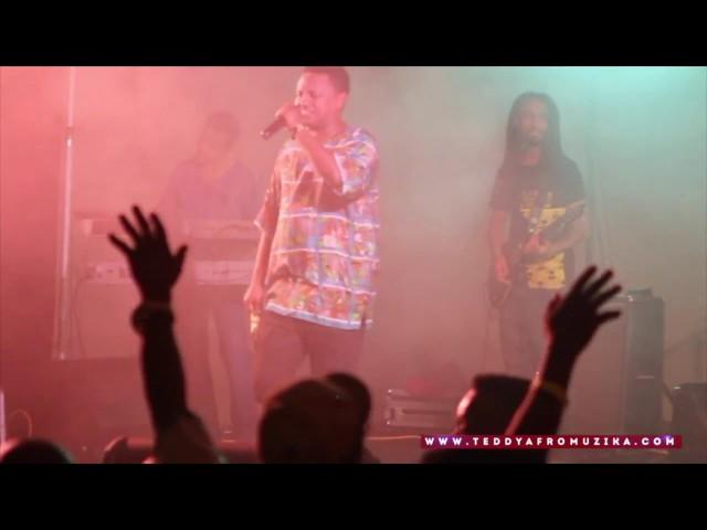 Teddy Afro live - Bashaw (አይዞህ ልቤ) - Winnipeg, Canada
