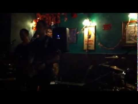 Black market music - Running up that hill - live at donegal guinness pub