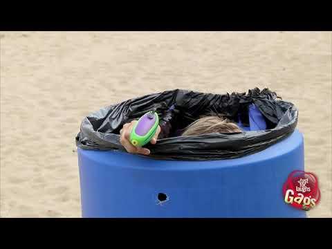 Mejores Bromas - Chicas calientes en la playa