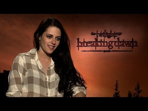 "Kristen Stewart Tells Us Why Robert Pattinson Made Her ""Pissed"" and Snow White Battle Scars"