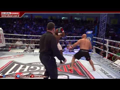Kick Boks Dünyasının Devleri İzmir Buca'da Ringe çıktı