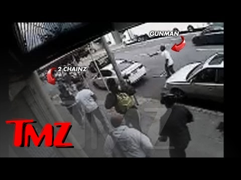2 Chainz -- CRAZY VIDEO of Rapper Being Robbed at Gunpoint