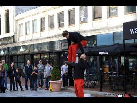 Boston (Massachusetts) - Street Theatre - Red Trousers